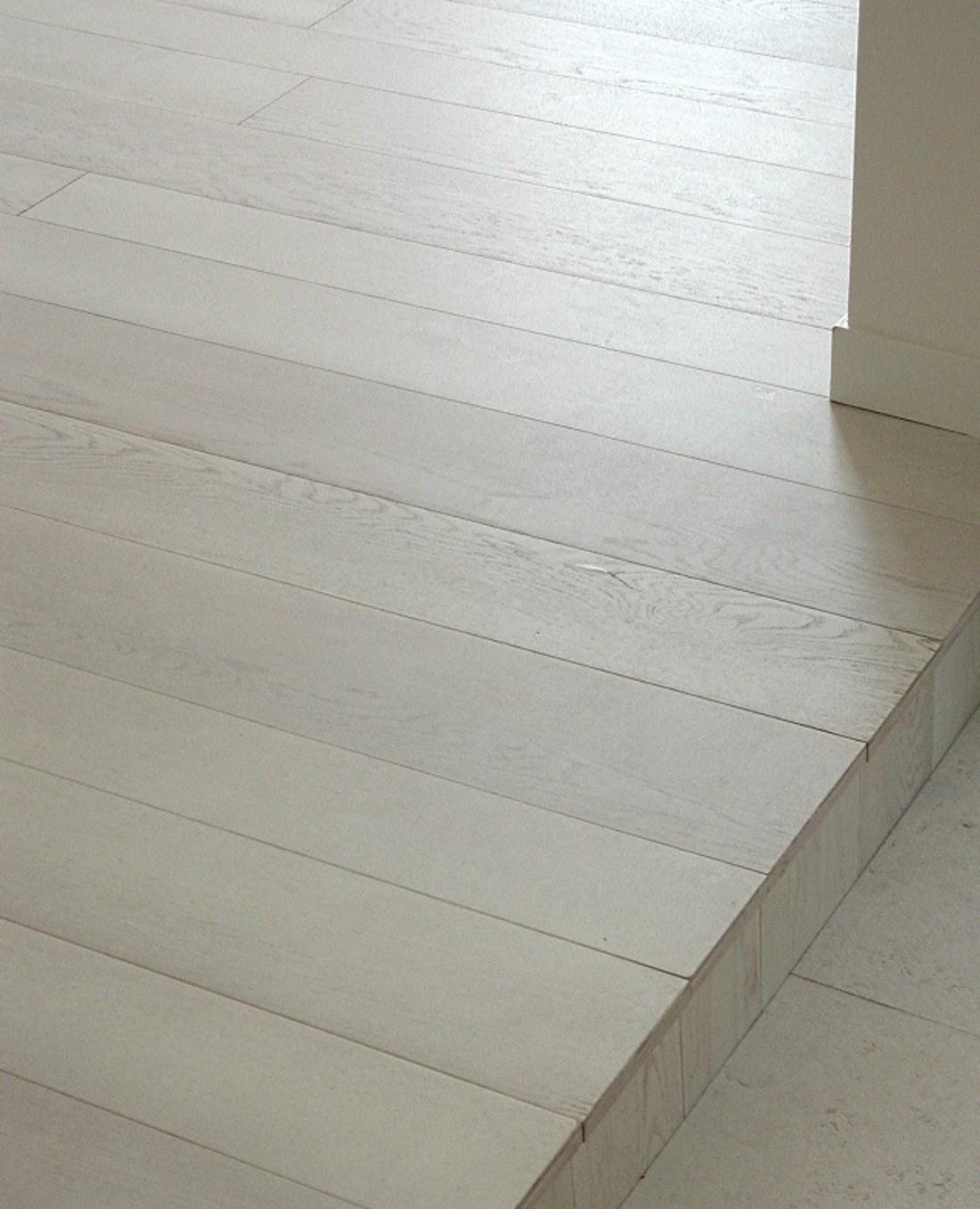 White oak flooring - Alessandro Villa architect